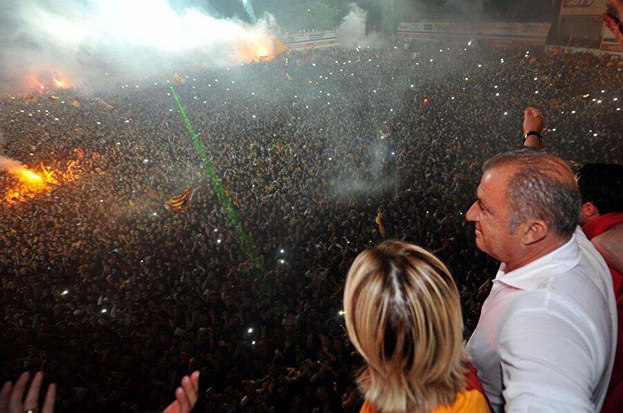 14:00 | Galatasaray: Fatih Terim'in Türk Telekom Stadyumu'ndaki imza töreni saat 16:00'ya alınmıştır.