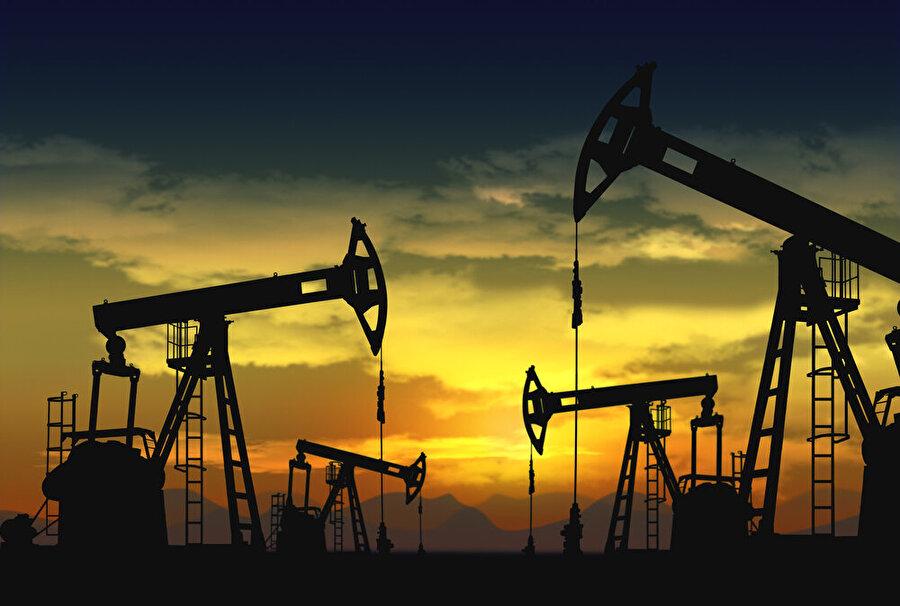 Petrol üretimi ülkenin gayrisafi yurt içi hasılasının üçte birinden fazlasını, ihracatının ise yüzde 90'ını oluşturuyor.