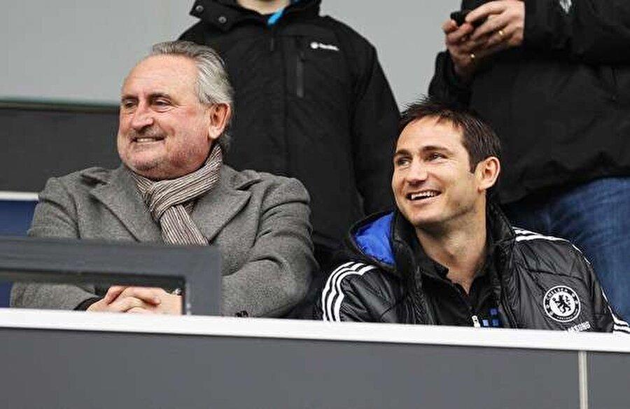 Frank Lampard ve Frank Richard George Lampard                                      Frank Richard George Lampard, 20 Eylül 1948'de İngiltere'de hayata gözlerini açtı. Lampard, kariyerinde West Ham United ve Southend United formaları giydi. Frank Lampard Jr. 28 Haziran 1978'de dünyaya geldi. 13 yıl Chelsea forması giyen Lampart, 2 Şubat 2017'de New York City'de emekli oldu.