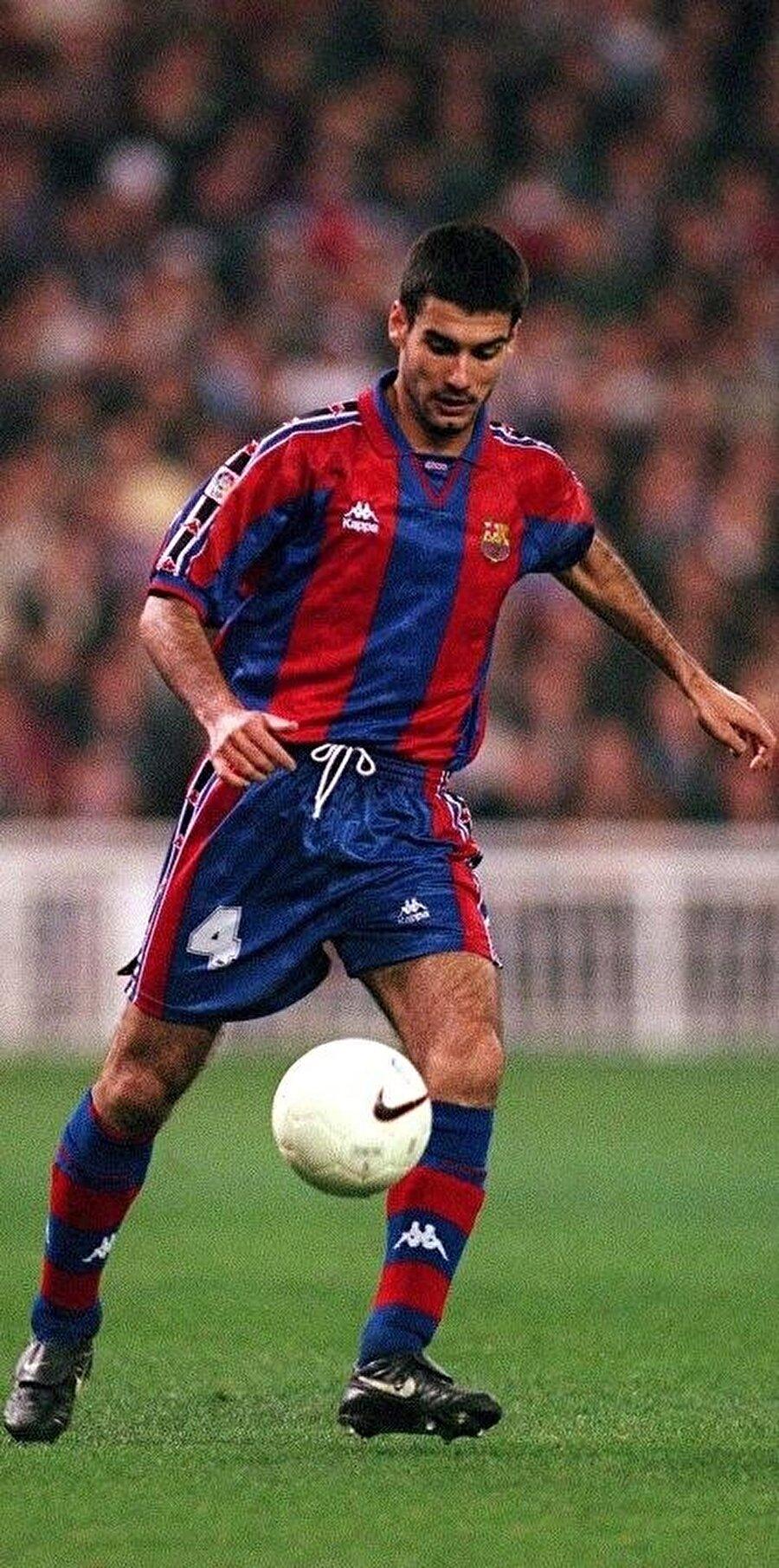 Orta sahada görev alan Guardiola, 1990 yılında yani 19 yaşındayken A Takıma yükseldi.
