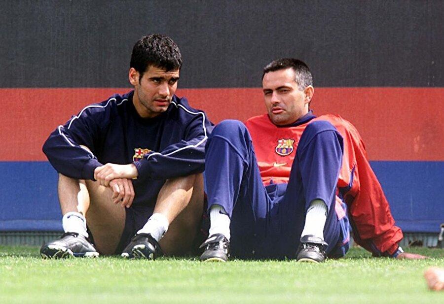 1996-1997 sezonunda Barcelona'nın başında teknik direktör Sir Bobby Robson bulunuyordu. Ünlü teknik adamın tercümanlığını ise Jose Mourinho yapıyordu. Kısacası Pep Guardiola ile Mourinho'nun yolları çok çok eski yıllarda kesişti.
