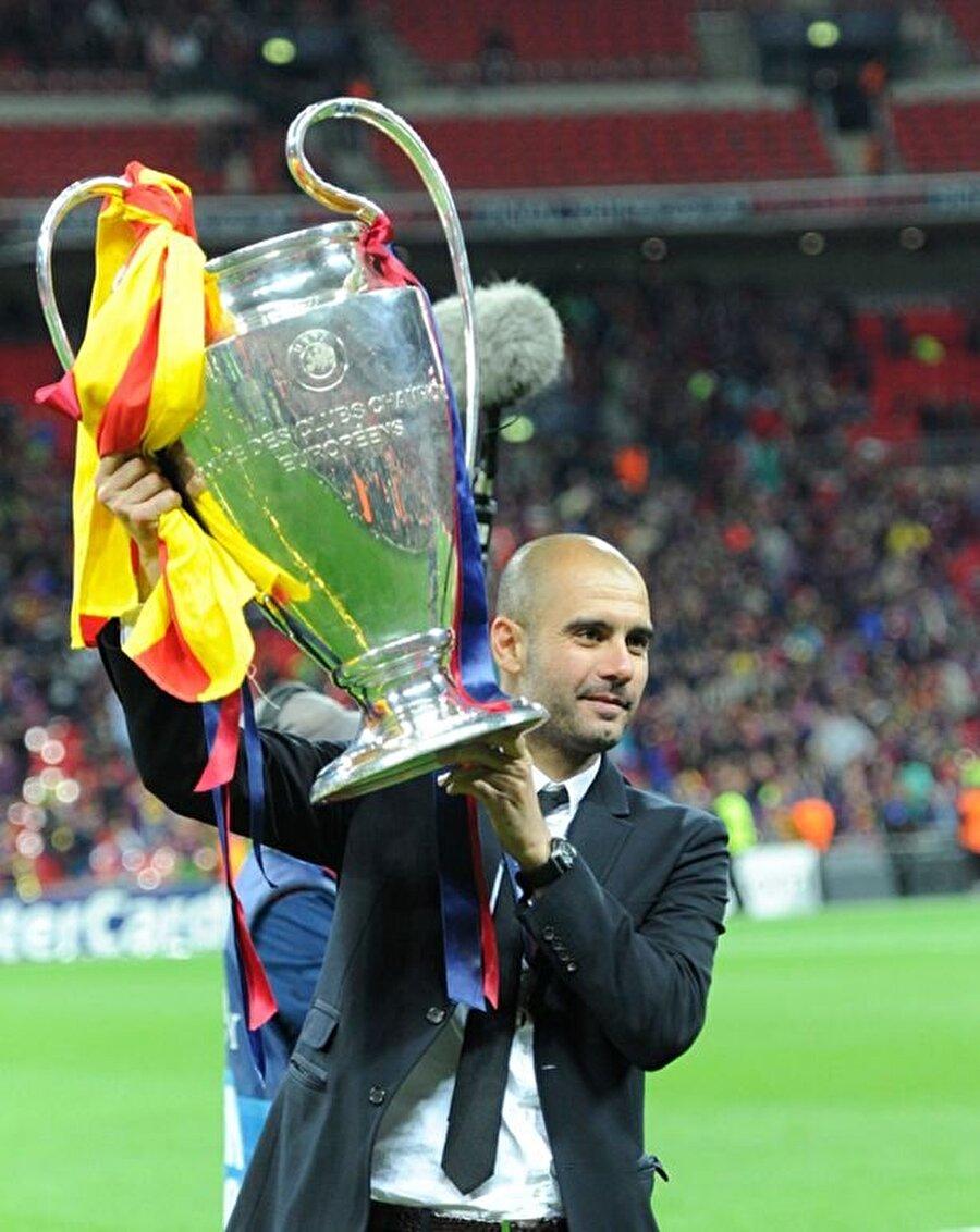 Pep Guardiola, Barcelona ile 2008-2012 yılları arasında tam 14 kupa kaldırdı. La Liga'da 3, Kral Kupası'nda 2, İspanya Süper Kupası'nda 3, Şampiyonlar Ligi'nde 2, Süper Kupa'da 2 ve Kulüpler Dünya Kupası'nda 2 şampiyonluk yaşadı.