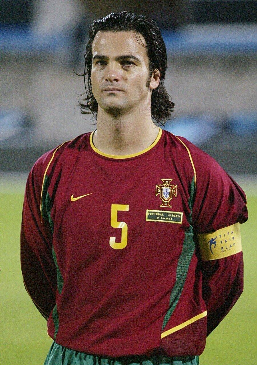 Fernando Couto                                      1996'da Parma'dan Barcelona'ya transfer olan Fernando Couto oynadığı futbolla her zaman takdir topladı. Portekizli futbol adamının yolları Barcelona ile 1998'de ayrıldı. Bu dönemde Lazio'ya transfer olan Fernando Couto'nun kanında uyuşturucu tespit edildi. Ünlü isim aylarca futbol oynayamadı.