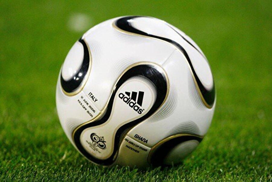 2006-Almanya 9 Haziran-9 Temmuz tarihleri arasında Almanya'da düzenlenen turnuvayı İtalya şampiyon olarak tamamladı.