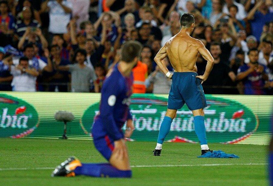 Pique'nin bakışı ve Ronaldo'nun makineyi andıran vücudu. Daha fazla hikayeye gerek yok sanırım...