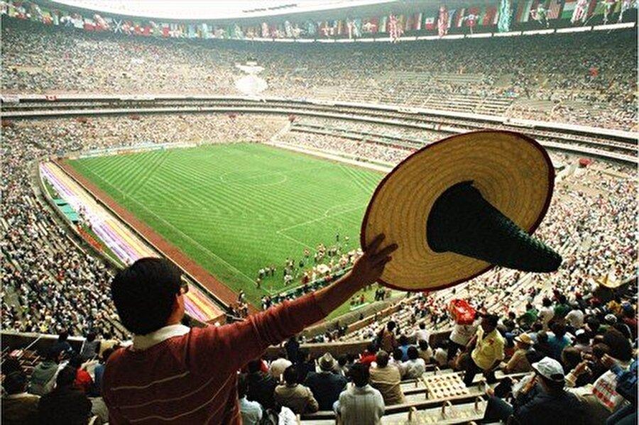 1986 Dünya Kupası ayrıca futbol dünyasına Meksika Dalgası'nı kazandırdı.