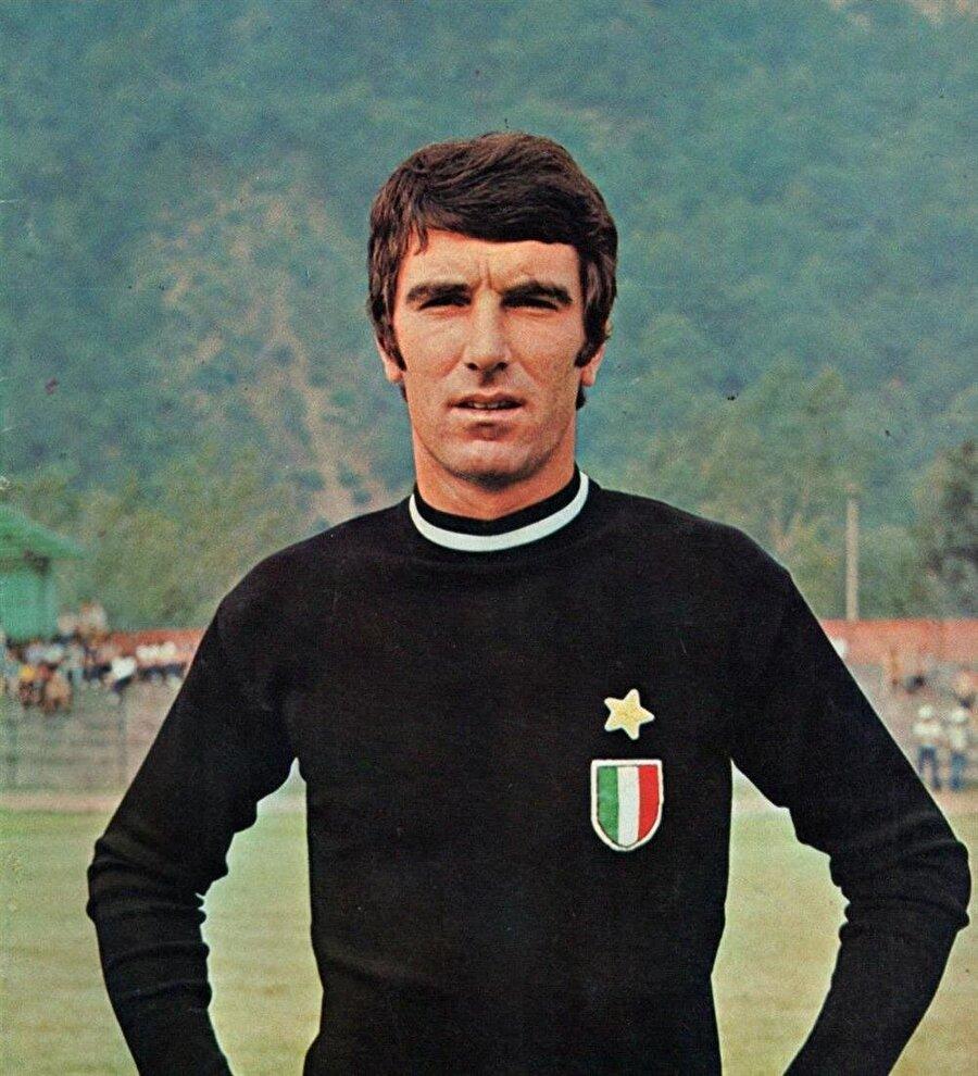Mantova'daki performansıyla büyük takımların ilgisini çekti ve 5 yıl boyunca oynayacağı Napoli'ye transfer oldu.