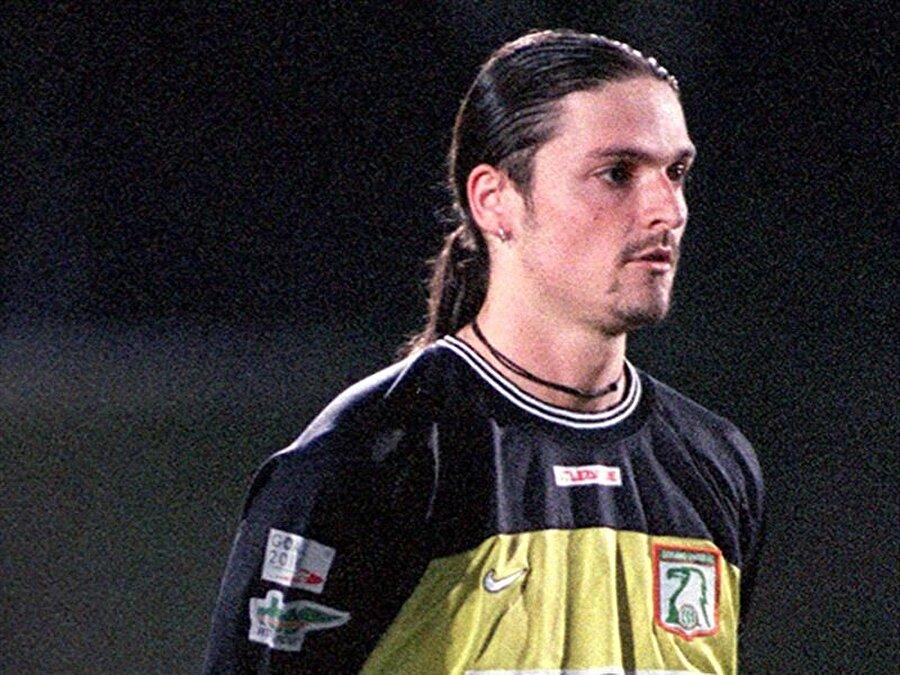 Lutz Pfannenstiel 12 Mayıs 1973'de Almanya'nın Bavyera Eyaleti'nde bulunan Zwiesel kasabasında dünyaya geldi.