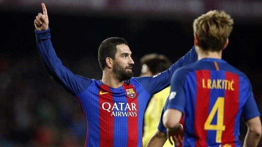 Barcelona formasıyla 2015'te UEFA Süper Kupa ve FIFA Kulüpler Dünya Kupası'nı kazanan Arda, 2015-2016 sezonunda La Liga'da şampiyonluk kupasını kaldırdı. Arda'lı Barcelona 2015-2016 sezonunda Kral Kupası'nı ve İspanya Süper Kupası'nı kazandı.
