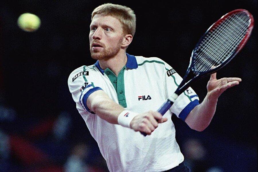 1989 Becker'in zirveye yükseldiği yıl oldu. Edberg'i finalde yenerek Wimbledon'ı 3'üncü kez kazandı, Lendl'ı devirerek ilk ABD Açık zaferini elde etti. Davis Cup'ı Almanya'ya kazandırdı ve dünyada yılın tenisçisi seçilip 1 numara oldu.