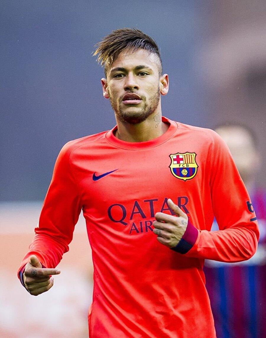 Neymar, Barcelona'da 2015 ve 2016 yıllarında La Liga şampiyonluğu yaşadı. Neymar'lı 2013'te İspanya Kupası, Barcelona 2015'te Kral Kupası, 2015'te Şampiyonlar Ligi ve aynı yıl UEFA Süper Kupası'nı kazandı.