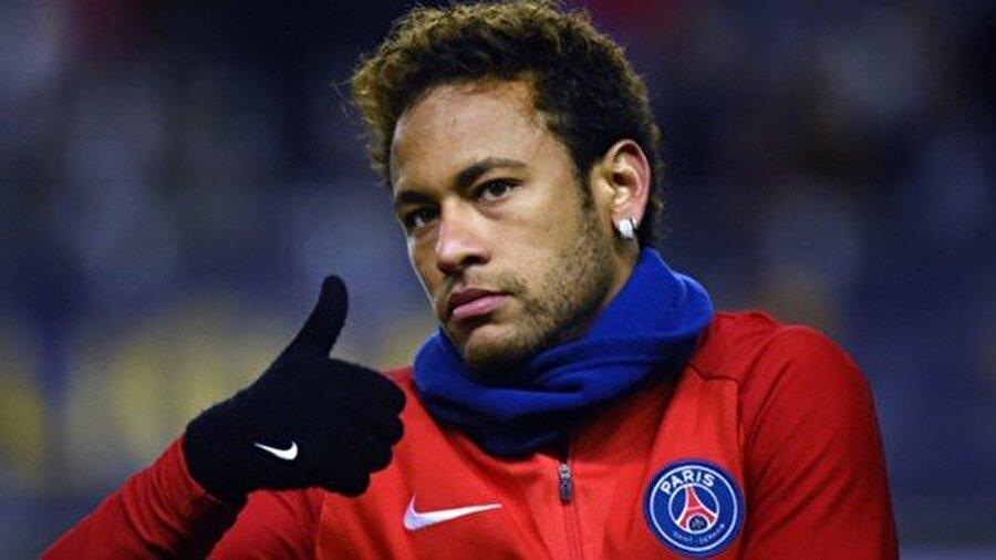Yarım sezondur PSG'de top koşturan Neymar şimdiye kadar 22 maça çıktı ve 20 kez meşin yuvarlağı ağlarla buluşturdu. Söz konusu 22 maçta Neymar 14 asist yaptı.