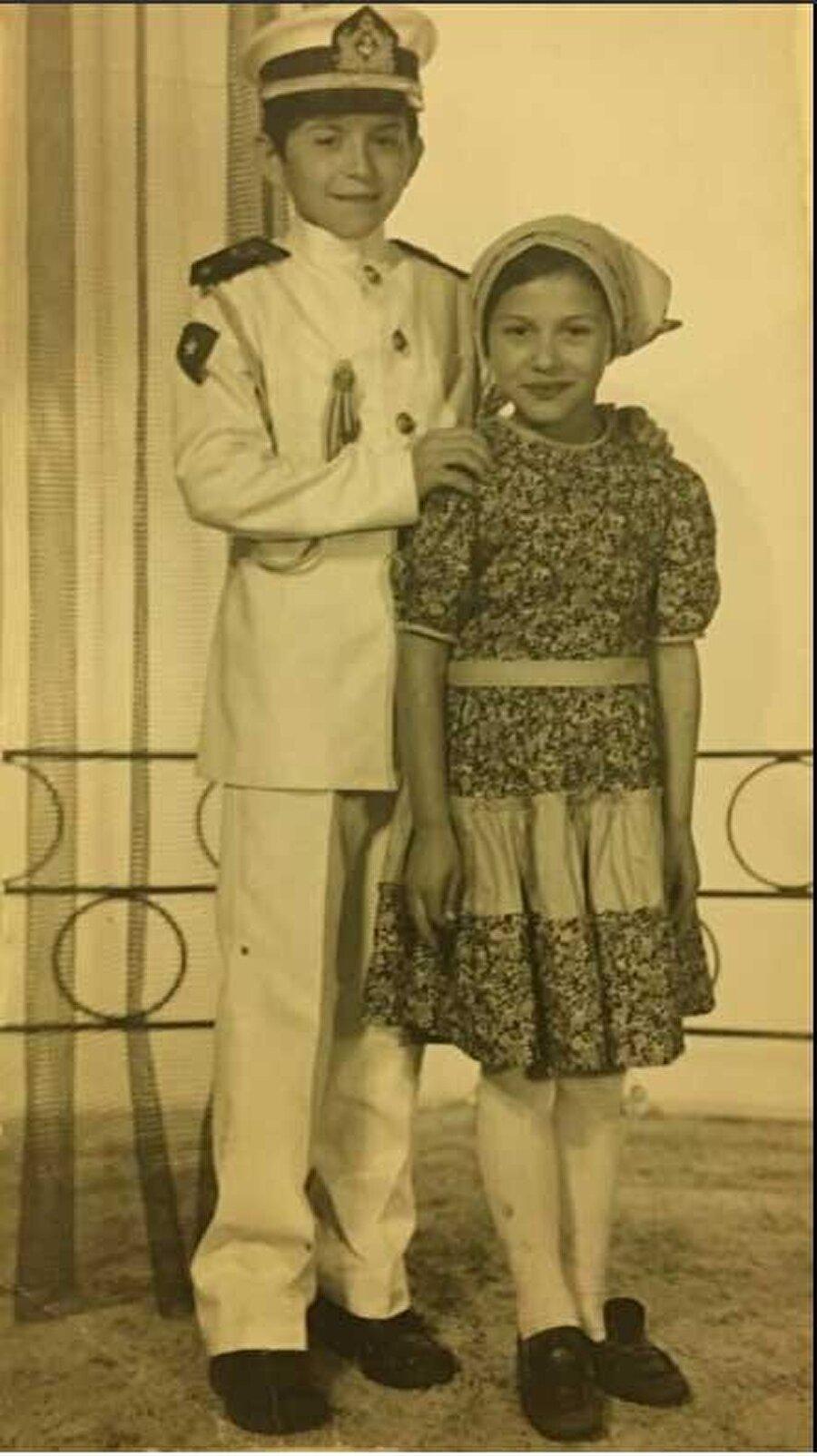 Süleyman Soylu                                      Aslen Trabzon'un Of ilçesinden olan Soylu, 1969 yılında İstanbul Gaziosmanpaşa'da dünyaya geldi. İlk ve orta öğrenimini İstanbul'da tamamlayan Soylu, Plevne Lisesi'nden mezun olduktan sonra İstanbul Üniversitesi İşletme Fakültesi'ni bitirdi.