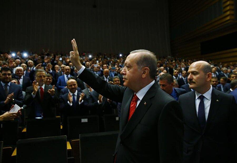 Erdoğan aktif siyasete davet etti...                                      Dönemin AK Parti Genel Başkanı ve Başbakan Recep Tayyip Erdoğan tarafından aktif siyasete yeniden davet edilen Süleyman Soylu 5 Eylül 2012 tarihinde gerçekleşen AK Parti Genel Merkezi'nde genişletilmiş grup toplantısında düzenlenen törenle resmi olarak AK Parti'ye katıldı.