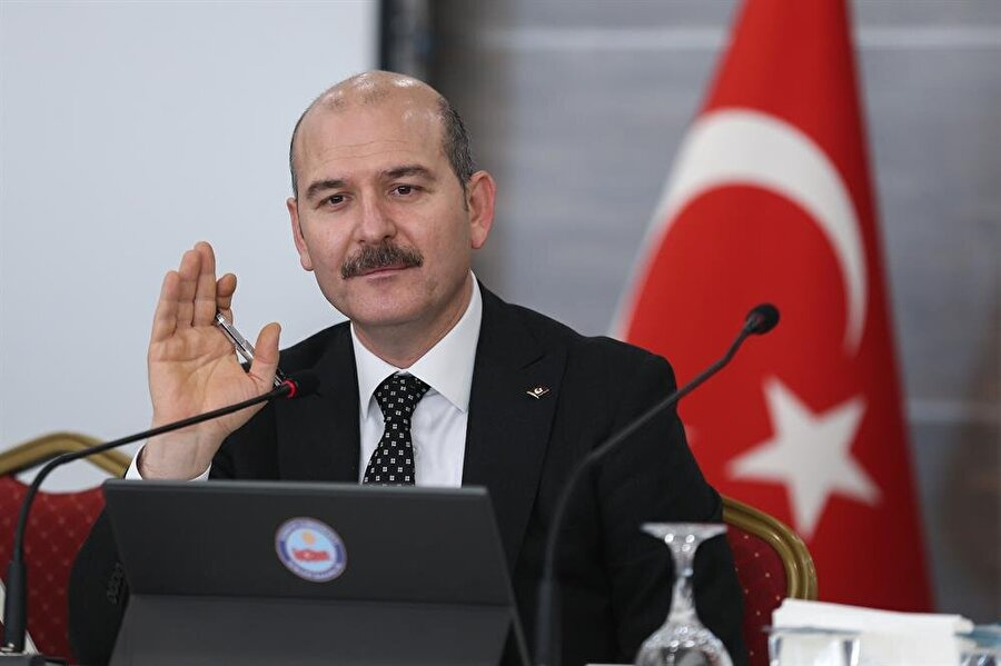 Trabzon milletvekili                                      AK Parti'ye üye olduktan 25 gün sonra AK Parti MKYK'sına seçildi. Parti içinde Ar-Ge'den Sorumlu Genel Başkan Yardımcılığı ve Teşkilattan Sorumlu Genel Başkan Yardımcılığı görevlerini yürüten Soylu, 7 Haziran 2015 Genel Seçimlerinde ve hükümetin kurulmaması üzerine tekrar düzenlenen 1 Kasım seçimlerinde Trabzon milletvekili oldu.
