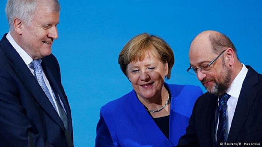 ' CDU/CSU erken sevinmesin '  SPD Genel başkan vekili Ralf Stegner 'ön görüşmelerde alınan kararların sadece koalisyon görüşmelerine temel alınabileceği ve sondaj görüşmelerinde bütün konular üzerinde anlaşmaya varıldığının sanılmaması gerektiğini ' söyledi.