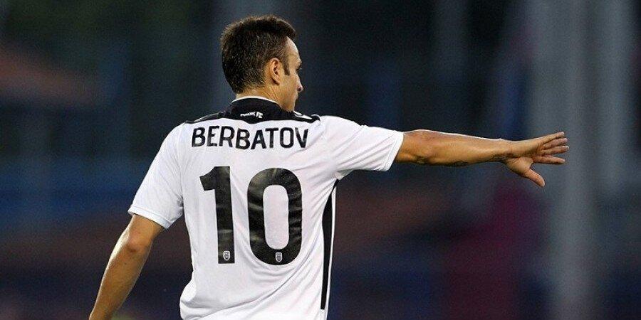 1 Temmuz 2016'da PAOK Saloniki'den ayrılan Berbatov uzun süre kendisine kulüp bulamadı.