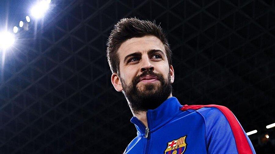 Başarılı defans futbolcusu, Katalan ekibi ile 421 müsabakada 37 gol kaydetti. 30 yaşındaki futbolcu bu sezon ise 25 karşılaşmada sahaya çıktı ve iki kez fileleri havalandırdı.                                      Pique, Barcelona ile 3 kez UEFA Şampiyonlar Ligi, 6 kez La Liga, 5 kez İspanya Kral Kupası, 5 kez İspanya Süper Kupası, 3 kez UEFA Süper Kupa ve 3 kez de Kulüpler Dünya Şampiyonluğu kazandı.