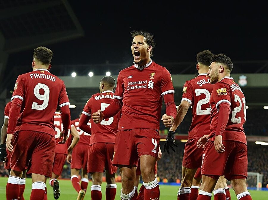 VAN DIJK, HAYALİNE KAVUŞTU                                      Ayrıca Liverpool'un yıldızı Philippe Coutinho ve Southampton'un başarılı stoperi Virgil van Dijk de, uzun süren problemlerin ardından istedikleri takımlara, Barcelona ve Liverpool'a imza atmayı başardı.
