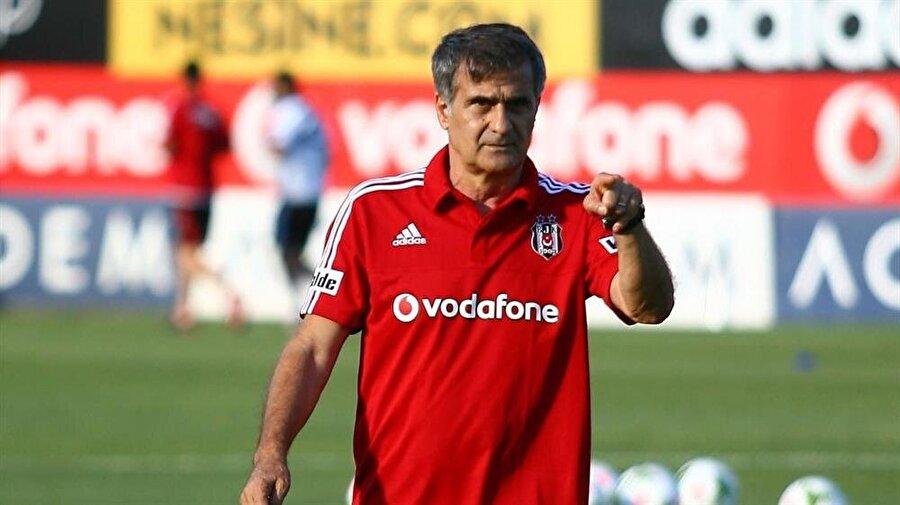 BEŞİKTAŞ                                                                           Cenk Tosun'u Everton'a gönderen Beşiktaş, Negredo'nun yanına mutlaka bir forvet almak istiyor. Teknik direktör Şenol Güneş ilk yarıda yaşanan puan kayıplarının tekrarlanmasını istemiyor ve bazı oyunculara da neredeyse hiç forma vermesi beklenmiyor.