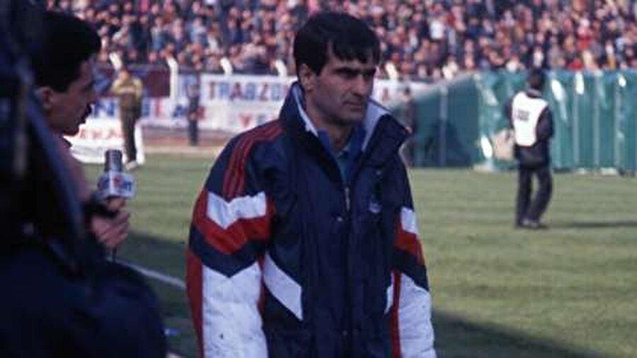 Bir yıllık Trabzonspor deneyiminin ardından Şenol Güneş 1989-1990 sezonunda Boluspor'u çalıştırdı.