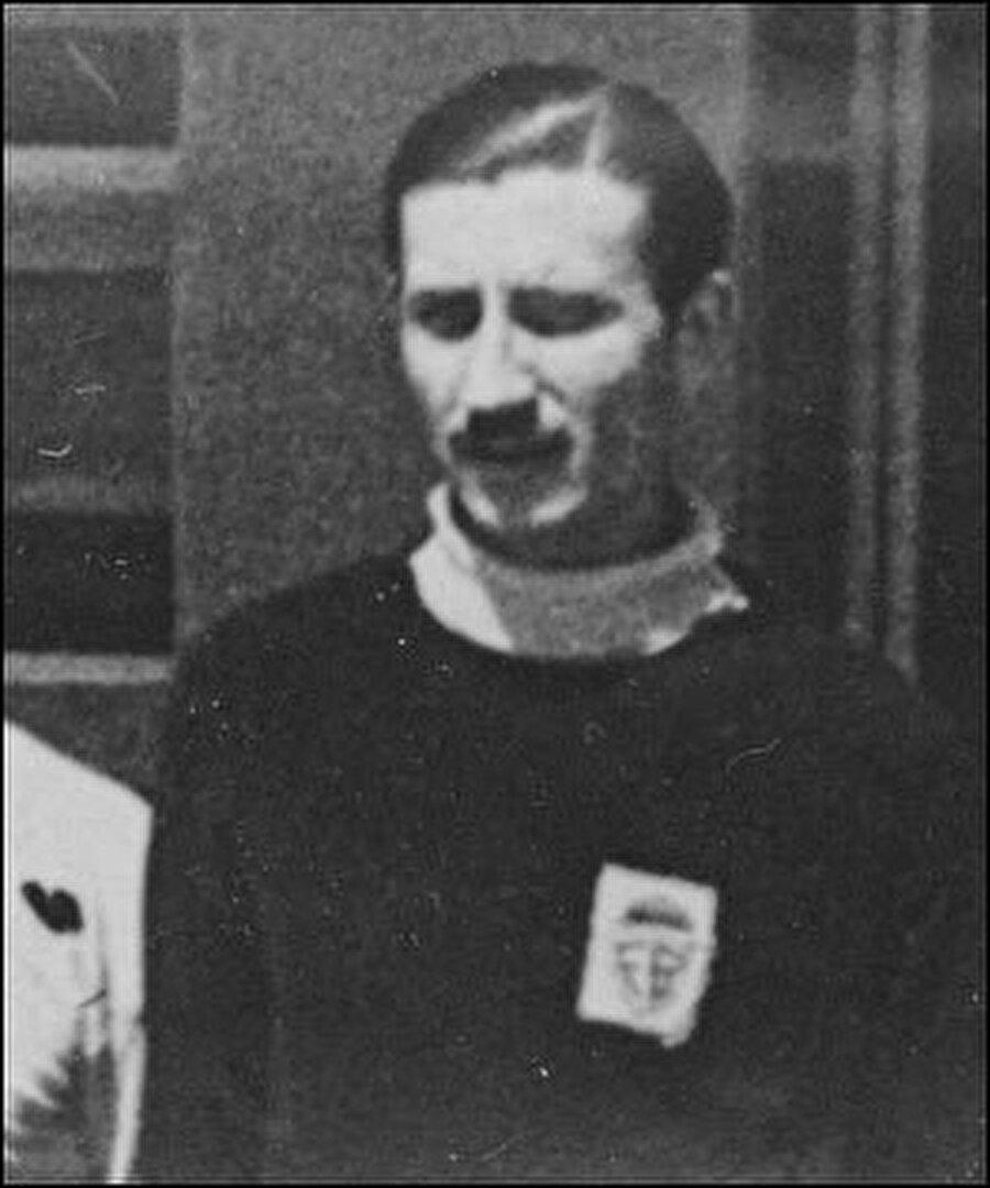 Cihat Arman 1948-1949 sezonunda Fenerbahçe forması altında hem futbol oynadı hem teknik direktörlük yaptı. Cihat Arman 1949 yılında Milli Takım'ı yalnızca 1 maçlığına çalıştırdı. Cihat Arman sırasıyla Beyoğluspor, Beşiktaş, A Milli Takım, İstanbulspor, Kasımpaşa, İstanbulspor, Yeşildirek, A Milli Futbol Takımı, Eskişehirspor, Mersin İY, Vefa ve Milli Takımı çalıştırdı.