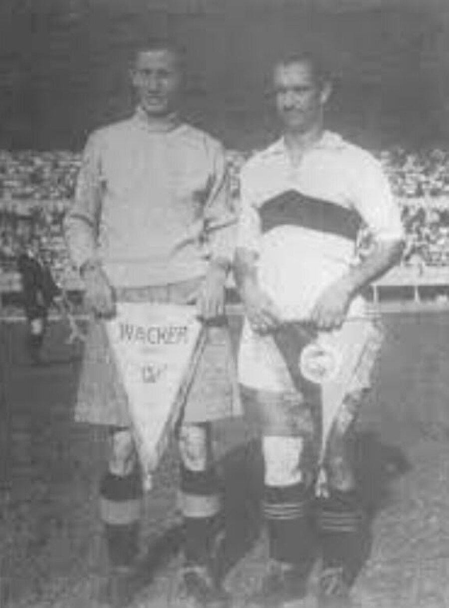 Ancak 'Kanarya' lakabı öyle çok sevildi ki zaman içinde Fenerbahçe'nin simgesi haline geldi. Cihat Arman Fenerbahçe forması altında; 3 İstanbul Ligi şampiyonluğu, 1 İstanbul Kupası, 6 Lig şampiyonluğu ve 3 Başbakanlık Kupası kazandı. Futbol kariyerini Fenerbahçe'de 1953 yılında tamamlayan Arman, 1936-1950 yılları arasında A Milli Futbol Takımı'nın formasını giydi. İkinci Dünya Savaşı nedeniyle Cihat Arman yalnızca 13 maçta ay-yıldızlı formayı giydi.