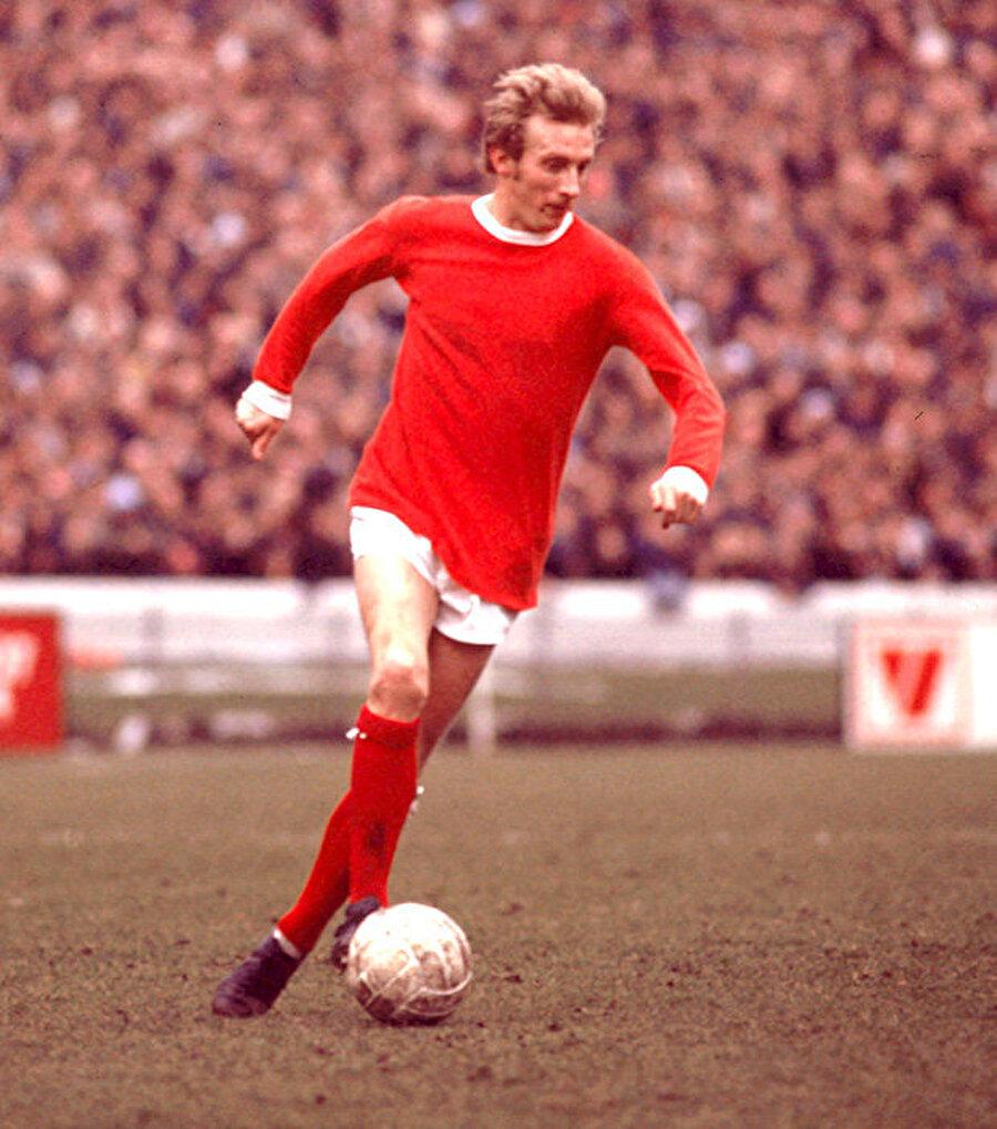 12 Temmuz 1962'de Manchester United'a imza atan Law, Ada ekibinin tarihine adını altın harflerle yazdıracağının farkında değildi.
