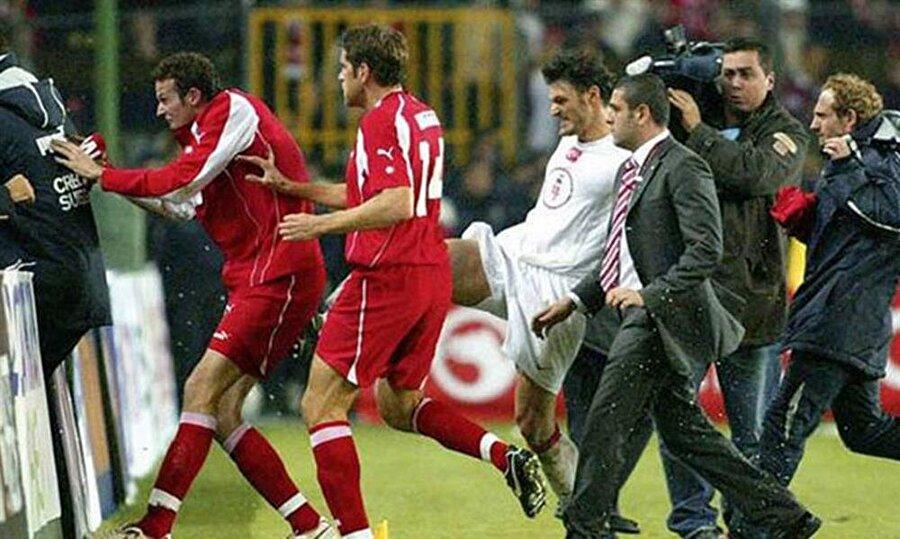Tarihi kavganın damga vurduğu Türkiye - İsviçre maçı