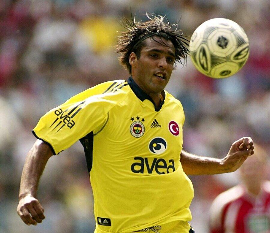 Van Hooijdonk özellikle duran toplardaki ustalığıyla sarı-lacivertli forma altında efsaneleşti.