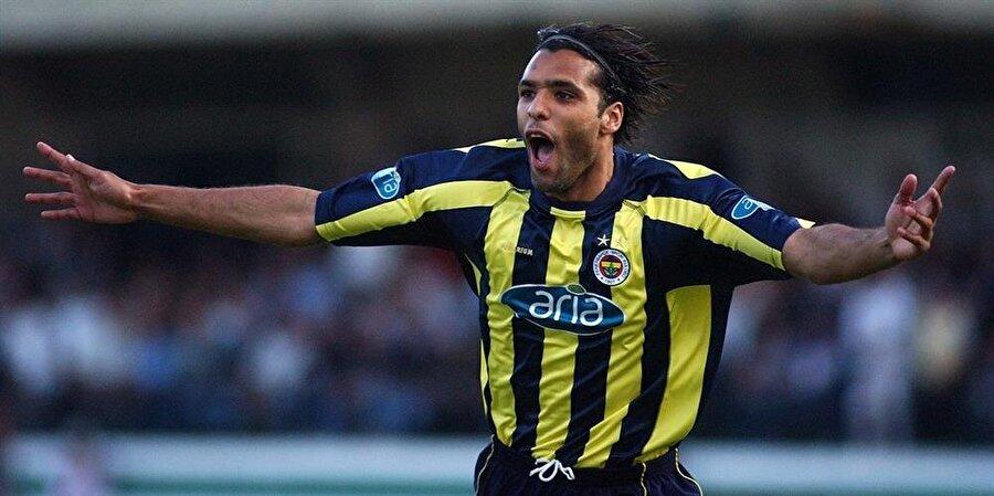 Alex de Souza'nın transferi ve teknik direktör Daum'la yaşadığı sorunlar nedeniyle Pierre van Hooijdonk yalnızca 9 gol atabildi.