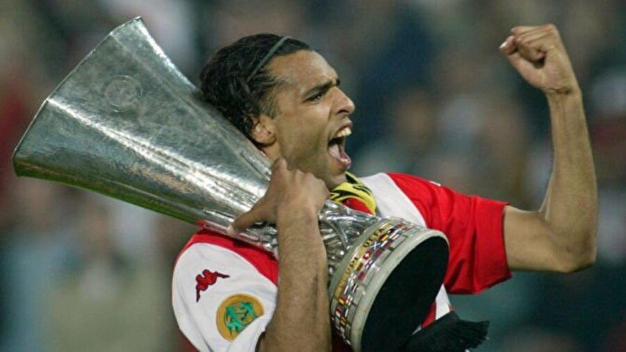 Hollandalı yıldız 1 Temmuz 2007'de ise futbol kariyerine nokta koydu.