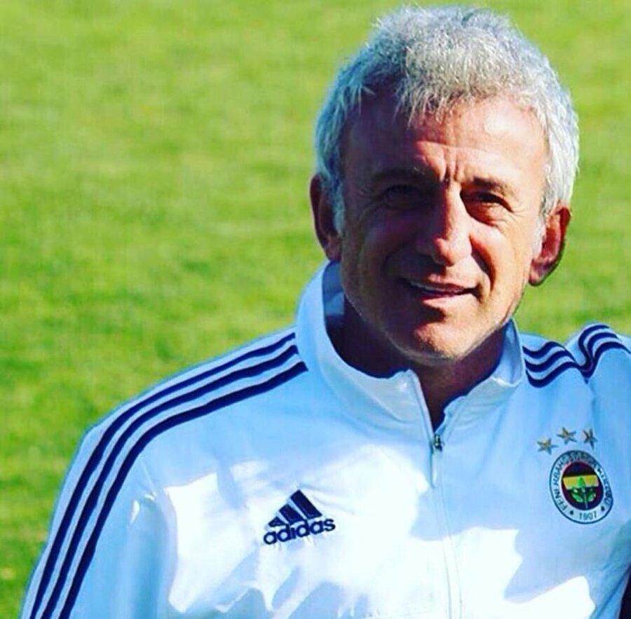 1996-1997 sezonunu Alanyaspor'da geçiren Rambo Hasan ardından Sakarya'ya döndü. Yetenekli futbolcu 1999-2000 sezonunu ise Sapancaspor'da geçirdi. Hasan Kemal Özdemir, 2000 yılında yani 36 yaşında Sakaryaspor formasıyla kariyerine nokta koydu.