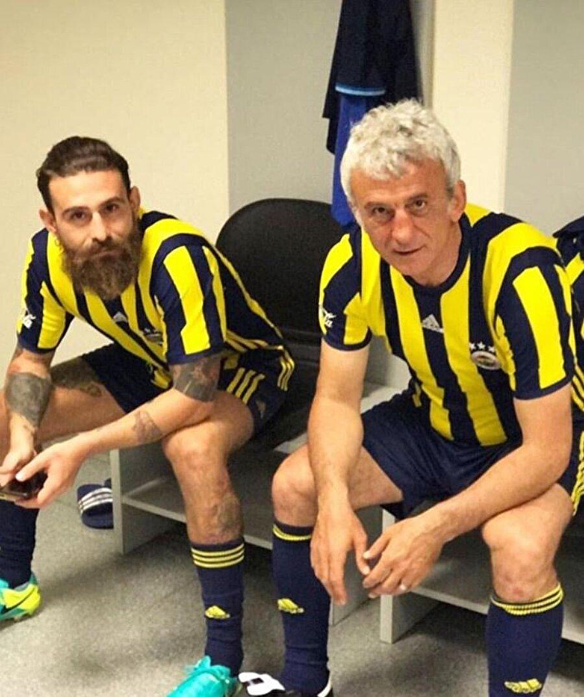 Rambo Hasan'ın oğlu Bulut Özdemir de herkes tarafından tanınan bir sima... Göz6 ve Survivor programlarıyla tanınan Bulut Özdemir de babası gibi bir Fenerbahçe aşığı.