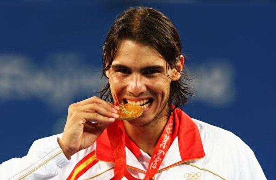 2008 Olimpiyat Oyunları'nda altın madalya kazanan Nadal, 2016'da ise bronz madalya aldı.