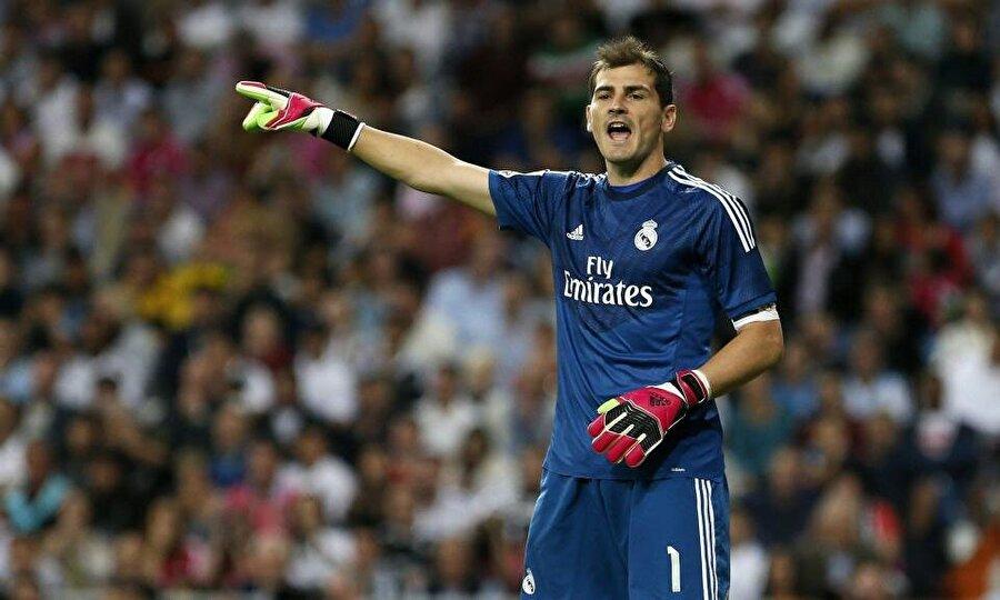Refleksleriyle dikkat çeken Iker Casillas, 1999'da A Takıma çıktı. 16 yıl boyunca Real Madrid forması giyen Casillas, 724 maçta görev aldı.