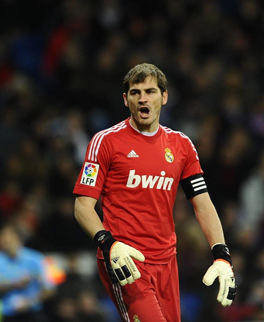 Casillas hem Real Madrid ile hem de İspanya Milli Takımı forması altında birbirinden önemli başarılara imza attı.