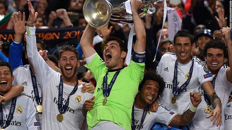 Eflatunlar; 1999-2000, 2001-2002 ve 2013-2014'te Şampiyonlar Ligi'ni kazandı.