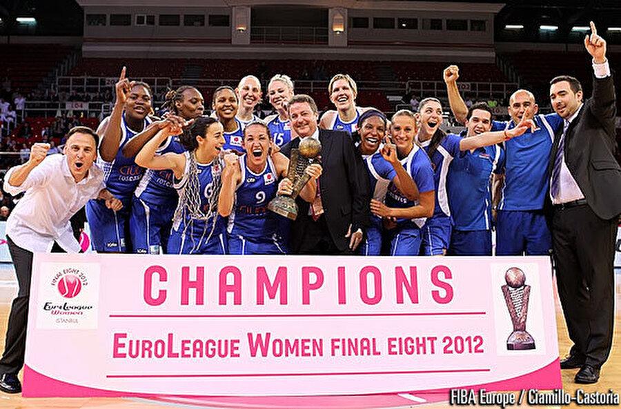 2012 - FIBA Kadınlar Euroleague Final                                                                           Avrupa'nın en büyük kupası konumunda olan FIBA Kadınlar Euroleague Final 8, Galatasaray Medical Park'ın ev sahipliğinde Abdi İpekçi Spor Salonu'nda düzenlendi.