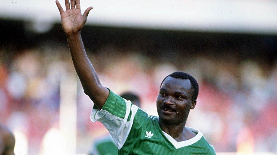 Milla, 1973-1994 yılları arasında Kamerun Milli Takımı'nın formasını başarıyla terletti. Milla, ulusal takımıyla çıktığı 102 maçta 37 gol attı.