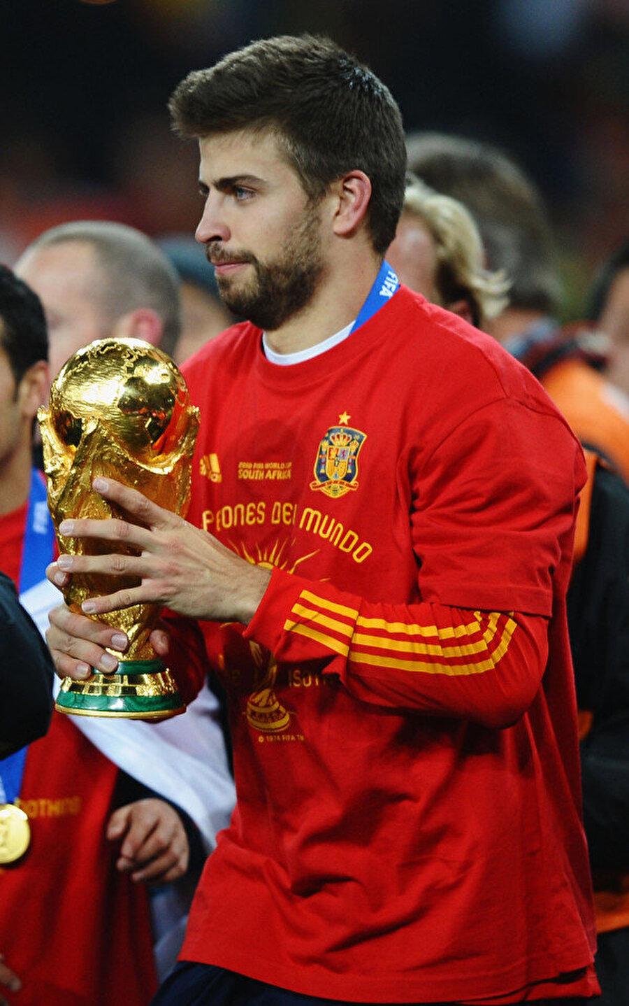 2010 Dünya Kupası zaferinde de Pique kadroda yer alıyordu.