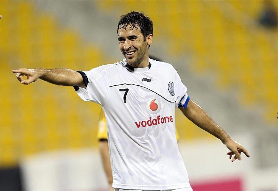 Raul Gonzalez 2015 yılında emekliye ayrılan Raul Gonzalez, 2012'de Al Sadd'a imza attı. Raul Gonzalez iki sezon Katar'da futbol oynadı.