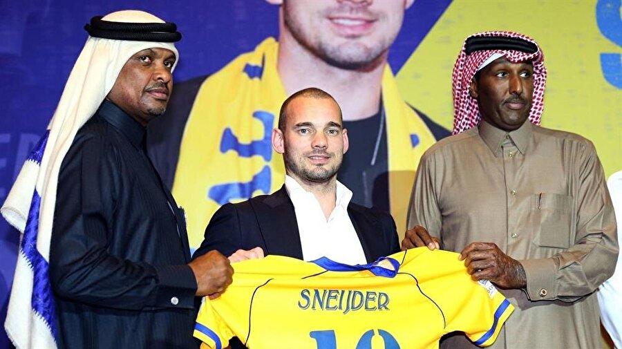 Wesley Sneijder 2013-2017 yılları arasında Galatasaray'da forma giyen Wesley Sneijder ardından Fransız ekibi Nice'e imza attı. Fransa'da tutunamayan Sneijder 2017-2018 sezonunun ara transfer döneminden Katar ekibi Al Gharafa'ya imza attı.