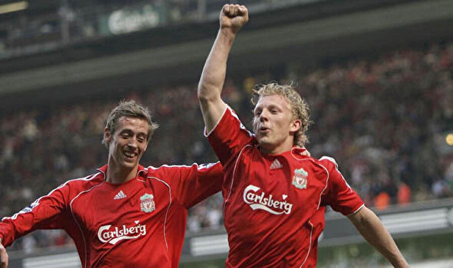 10,5 milyon Euro'ya Aston Villa'dan Liverpool'a transfer olan Crouch, 3 sezonda 135 maça çıktı ve 42 gol attı.