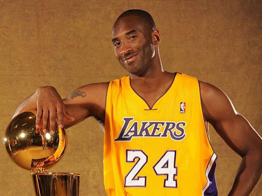 Kobe Bryant                                      FIFA ve Call of Duty serisi.