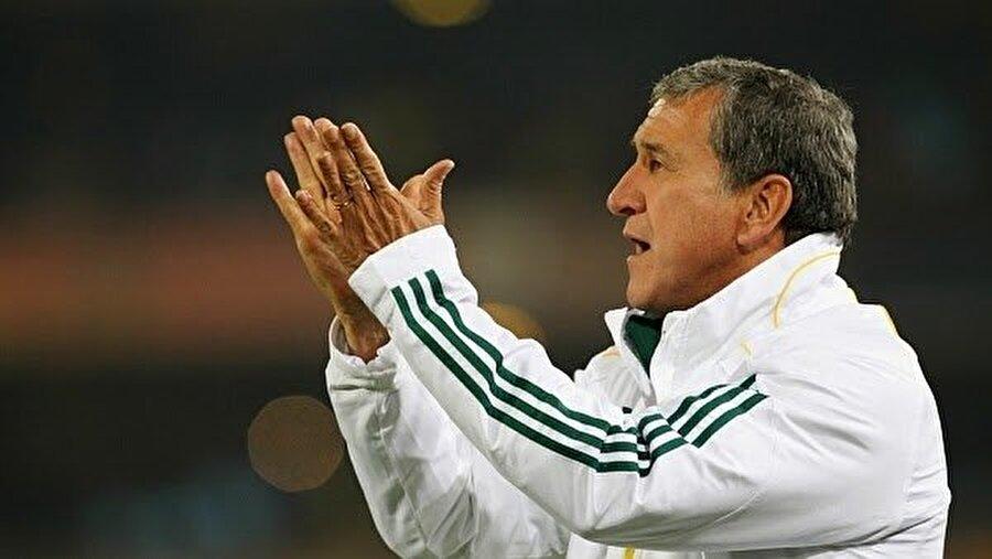 1983'te ise Parreira Kuveyt'ten Brezilya Milli Takımı'na geçti. Milli takım deneyiminin ardından Fluminense, BAE ve Suudi Arabistan'ı çalıştırdı.