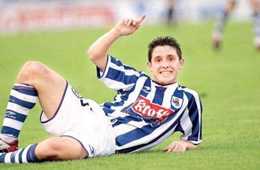 O yıllarda milli futbolcu Nihat Kahveci, Real Sociedad forması giyiyordu.