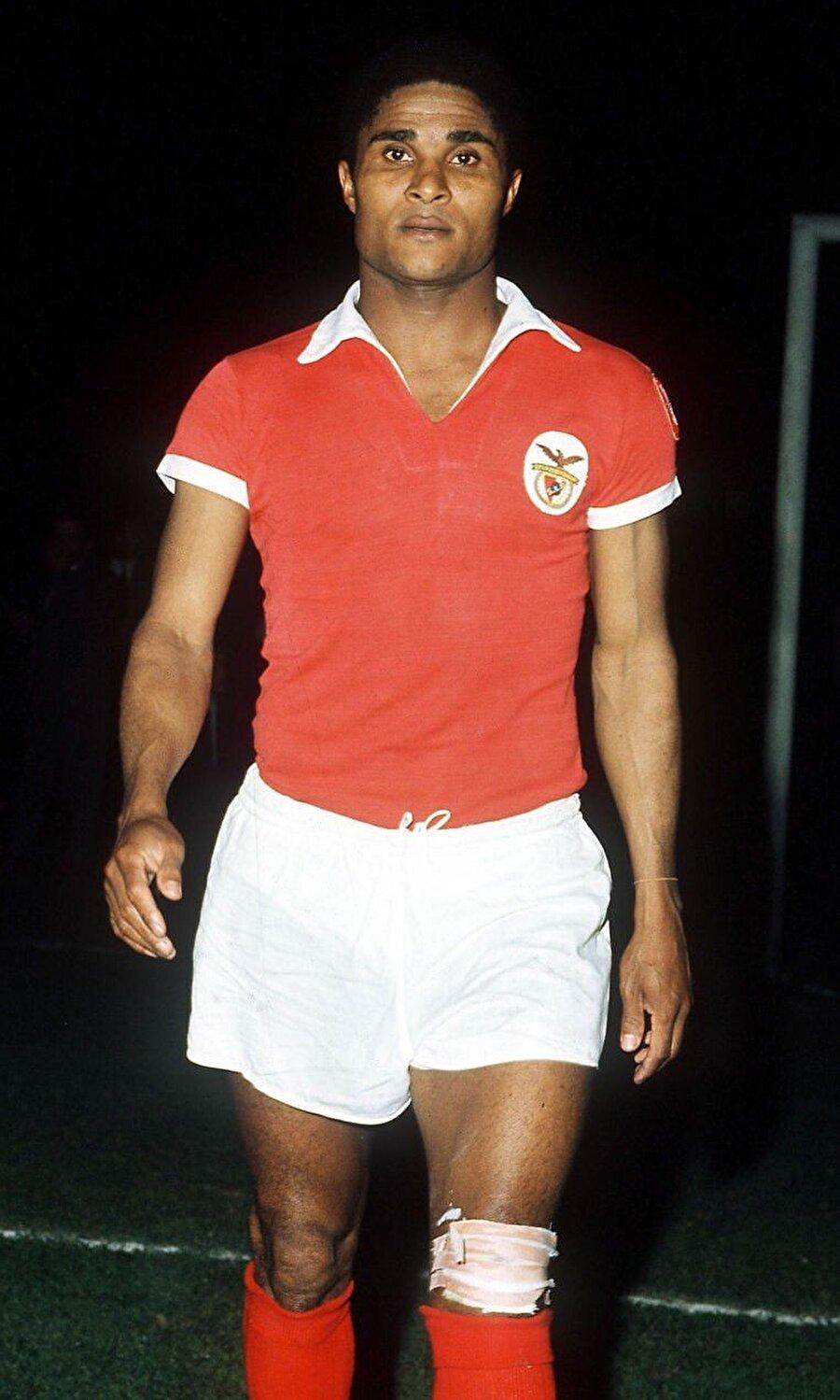 15 yıl Benfica forması giyen Eusebio halen kulübün en çok gol atan futbolcusu unvanının sahibi.
