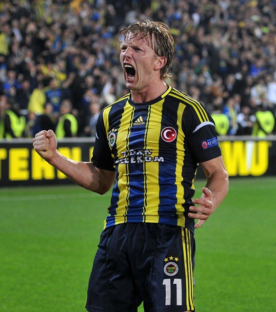 Üç sezon Fenerbahçe forması giyen Kuyt, 130 gol atıp 37 gol attı.
