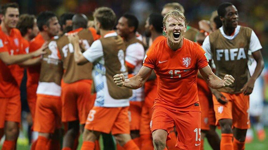 Hollanda Milli Takımı ile 105 maça çıkan Kuyt 24 kez fileleri havalandırdı. Kuyt, Portakallarla 2010'da Dünya Kupası ikinciliği ve 2014'te Dünya Kupası üçüncülüğü elde yaşadı.